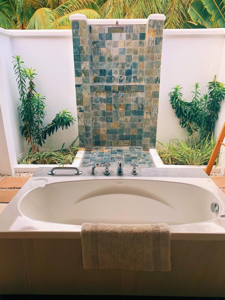 kurumba maldives bathroom