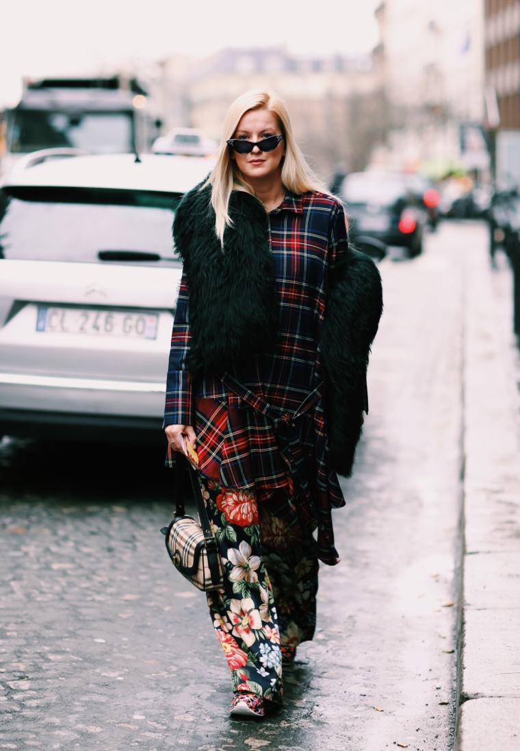 paris fashion week streetstyle 2018 burberry pattern mix tartan & classix