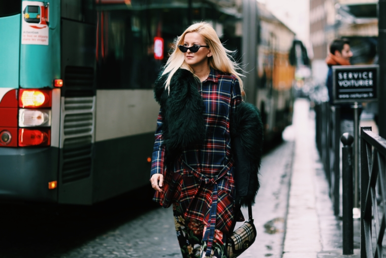 tartan plaid pattern mix muster burberry trend 2018 paris streetstyle fashion week 2018