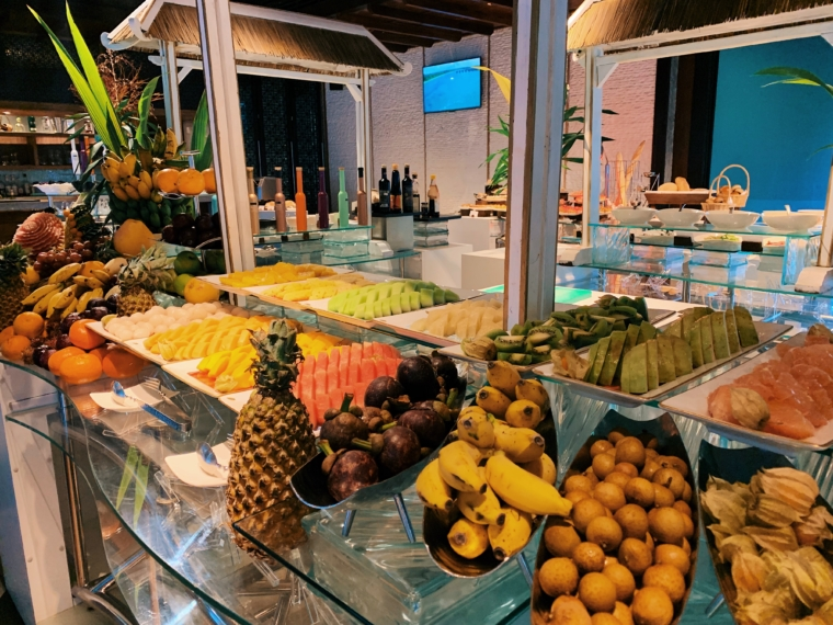 breakfast buffet Shangri La's Villingili Resort & Spa Maldives