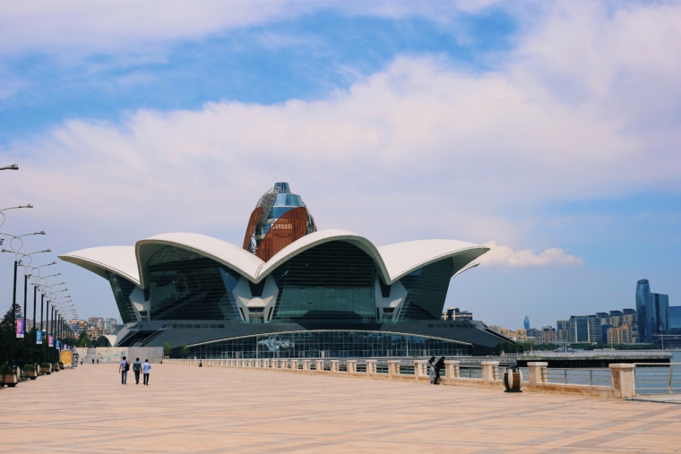 baku Azerbaijan Caspian Waterfront mall