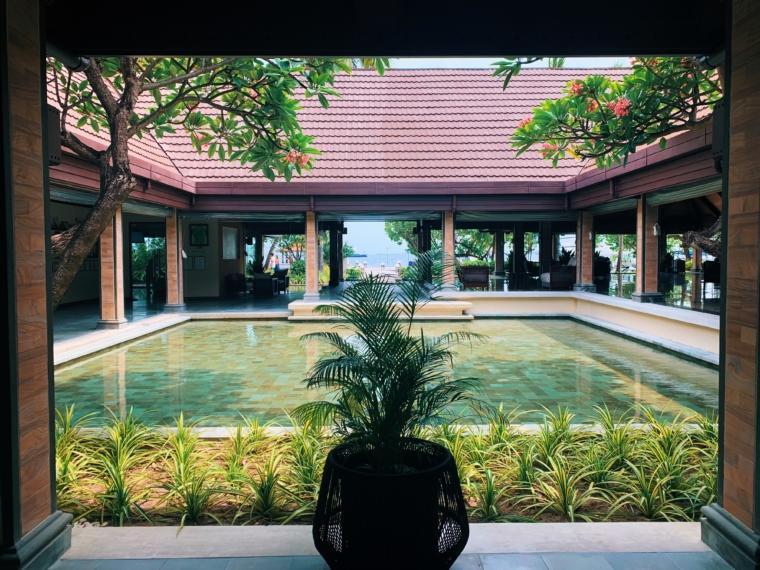 kurumba maldives lobby