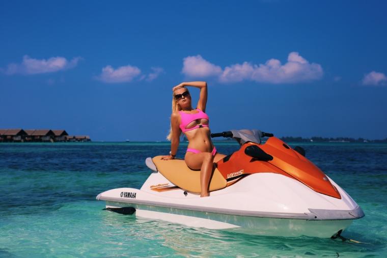 jetski Shangri La's Villingili Resort & Spa Maldives