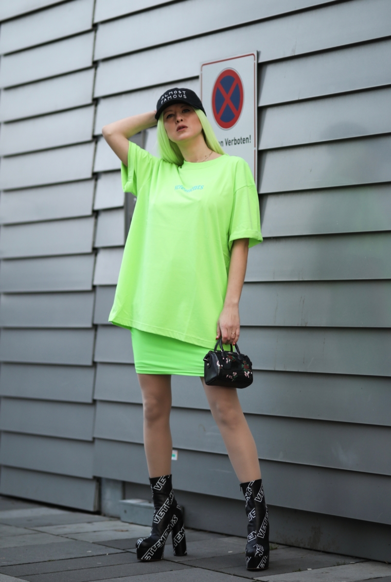 vetements streetstyle neon green style edgy blogger germany
