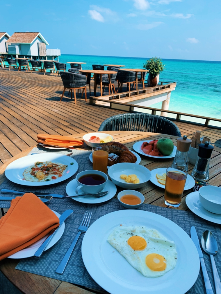 food & drinks Kuramathi Maldives