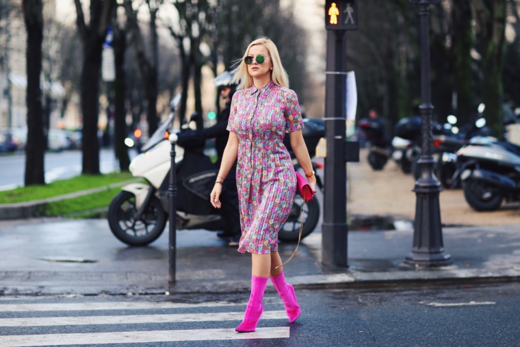 best dressed fashion blogger streetstyle paris fashion week 2018 flower floral print dress vintage balenciaga dress & velvet pink boots