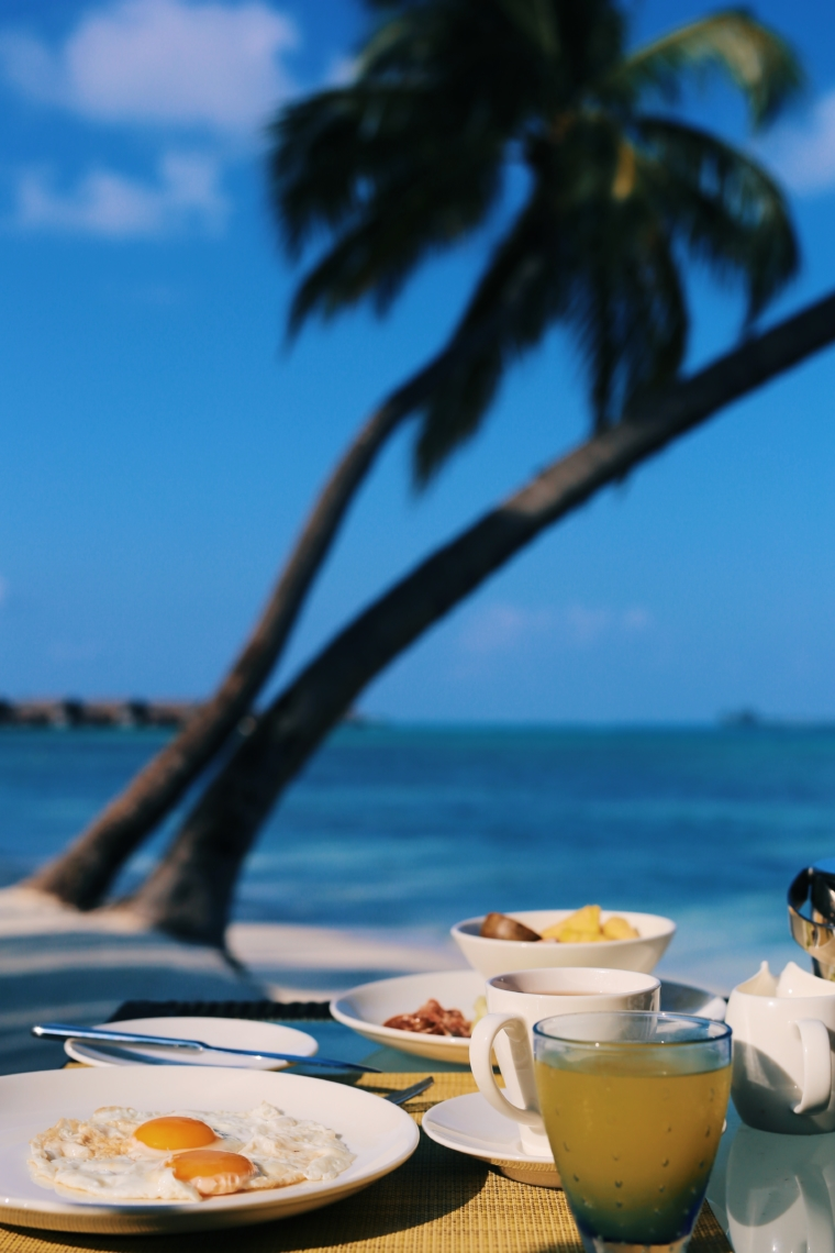 breakfast Shangri La's Villingili Resort & Spa Maldives