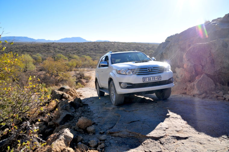 ROAD TRIP NAMIBIA AFRICA TOYOTA FORTUNER OFF ROAD