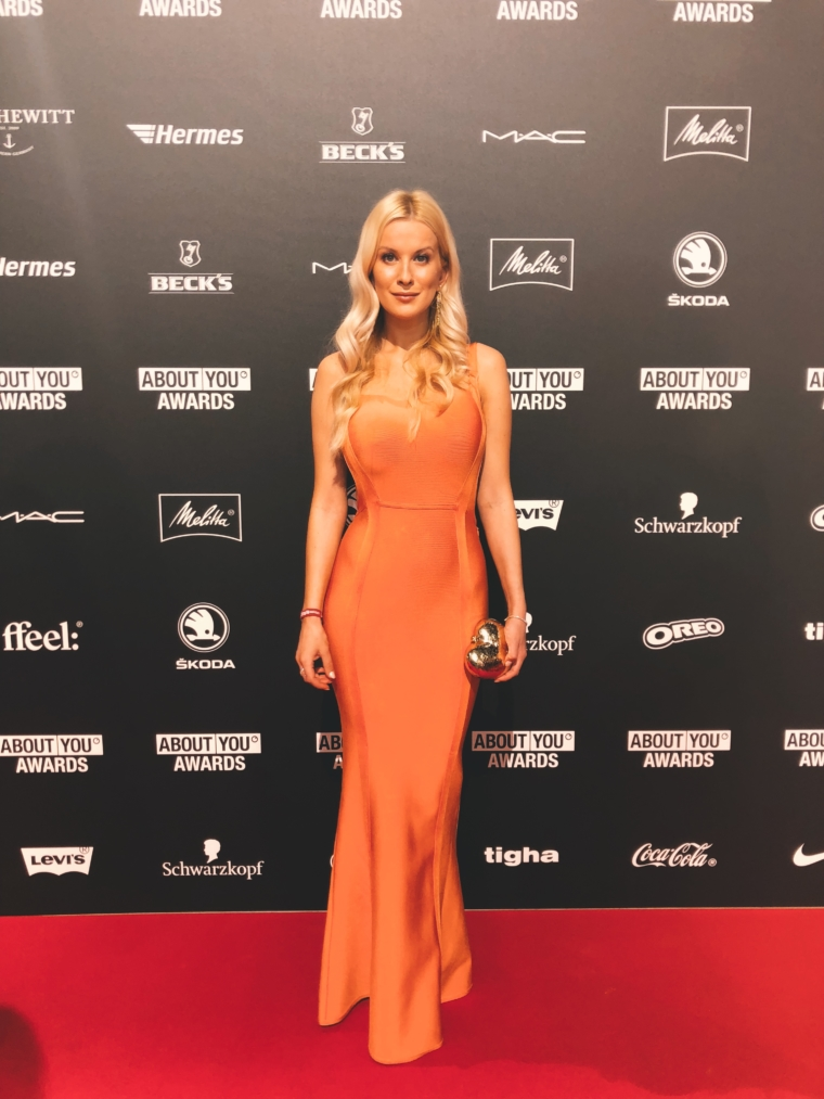 münchen about you award 2018 red carpet house of cb bandage kleid palina kozyrava