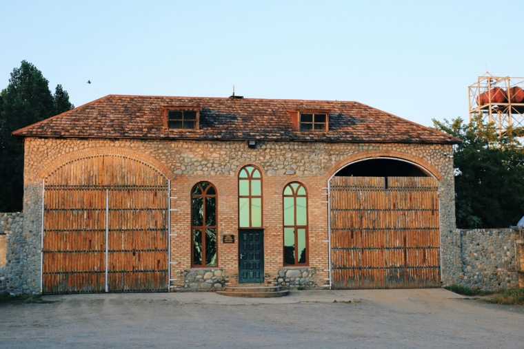 chateau monolith ismayilli Azerbaijan