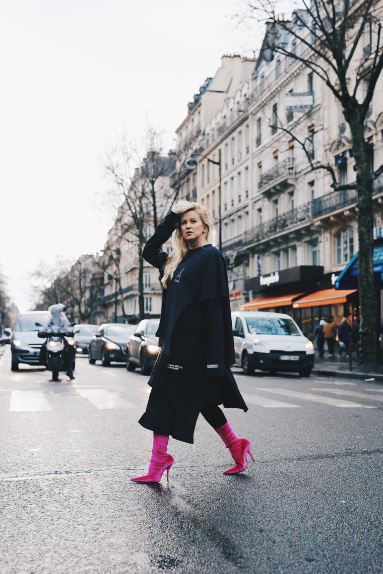palina kozyrava wearing vetements & balenciaga pfw streetstyle