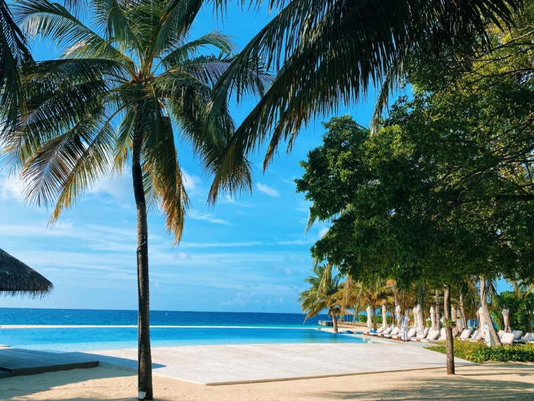 Velassaru Maldives pool