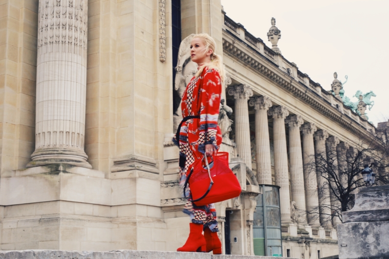 paris fashion week streetstyle ana alcazar red kimono
