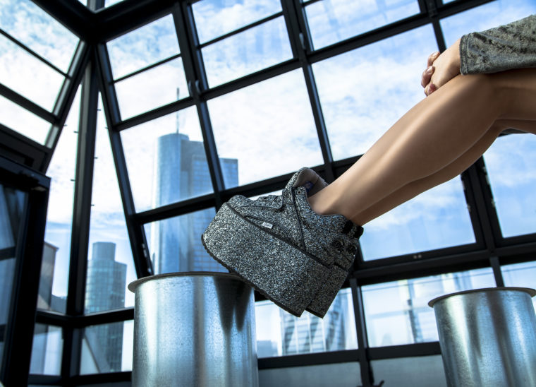 buffalo classics plateu glitter silver 90s style shoes 90er klassiker glitzer schuhe