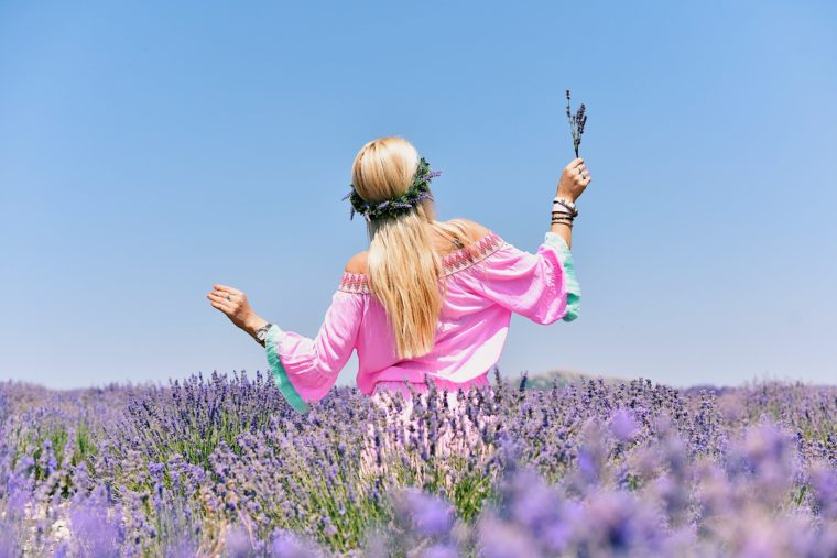 mon guerlain lavender fields photo location
