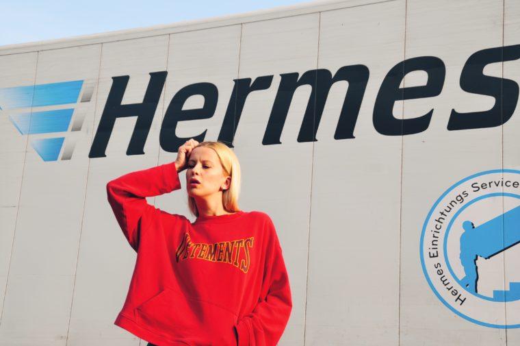 vetements demna gvasavia hoodie sweater sweatshirt limited edition red matchesfashion exclusive colloection