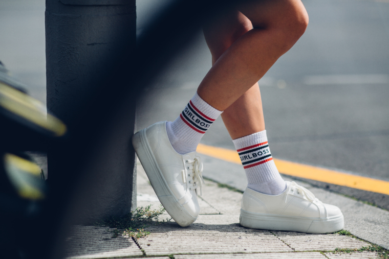 palina kozyrava girlboss socken shop statement